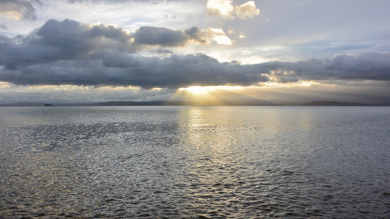 170119_lake_taupo_morning.jpg